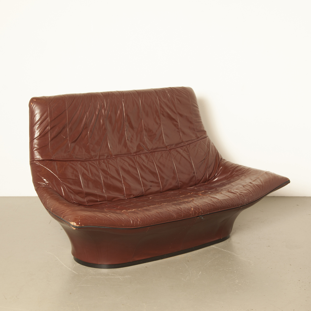 Mantis Space Age Loveseat weiches schokoladenbraunes Leder Highback Lounge Gerard van den Berg Montis Niederlande 70er 1970er Jahre XNUMXer Jahre Vintage Retro niederländisches Design Couch Sofa Jacke
