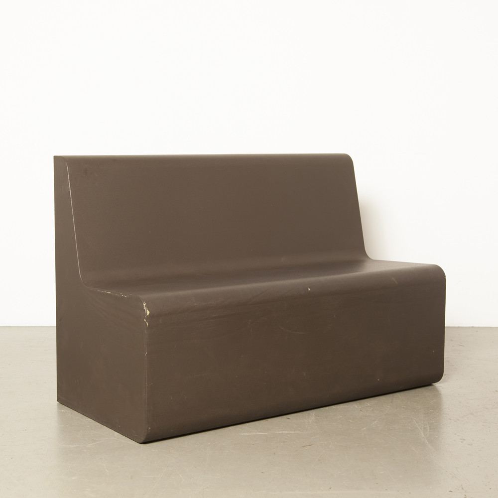 Orca Active seating element couch sofa Feek Frederik van Heereveld dark brown molded foam coated foamcoating rock face extremely light water-resistant modernist design