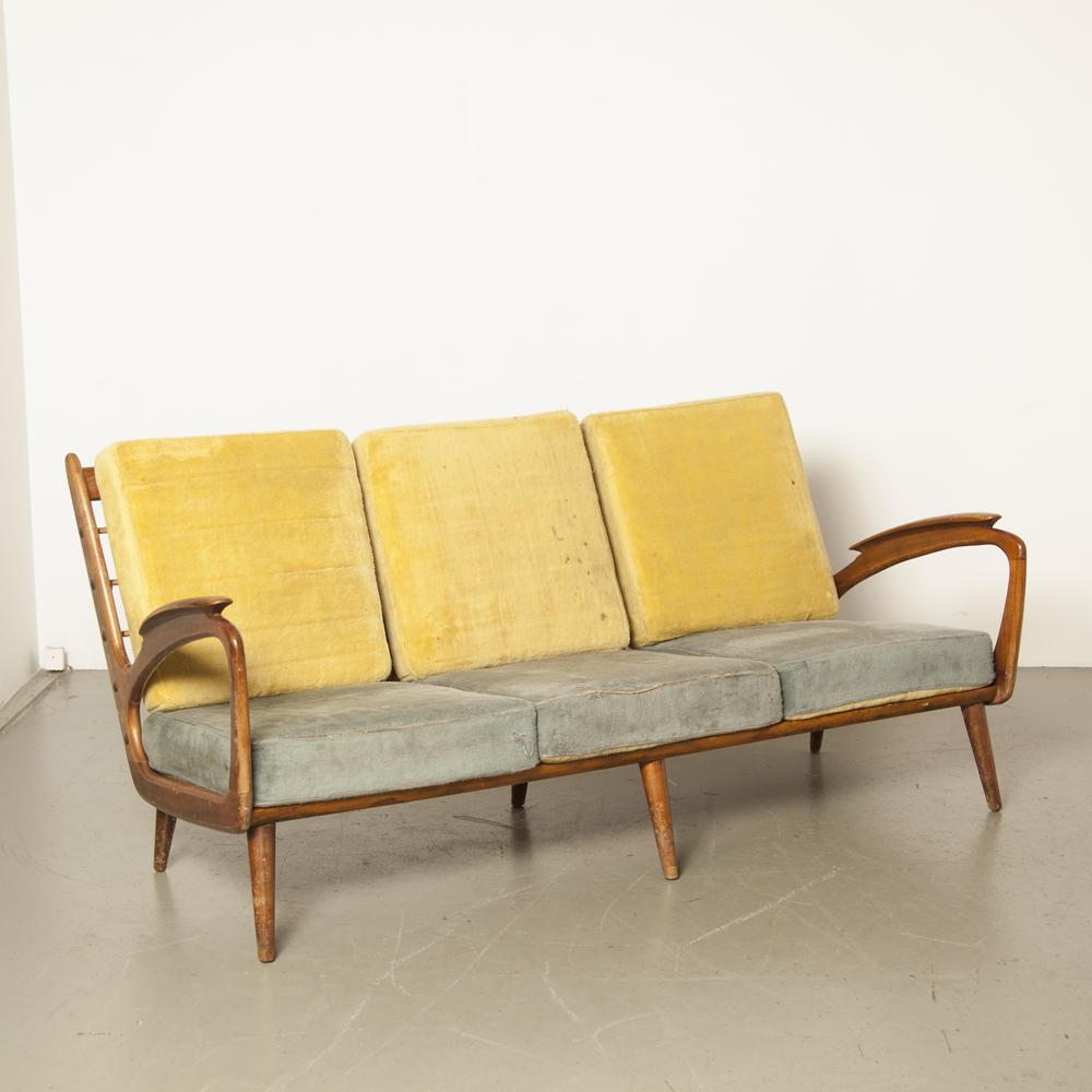 أريكة أريكة De Ster Gelderland تصميم هولندي مفتوح الجوانب مساند أذرع منحوتة على شكل زنبرك توتر ربيعي وسائد عكسية أصلية كرسي عتيق 1950s ب.