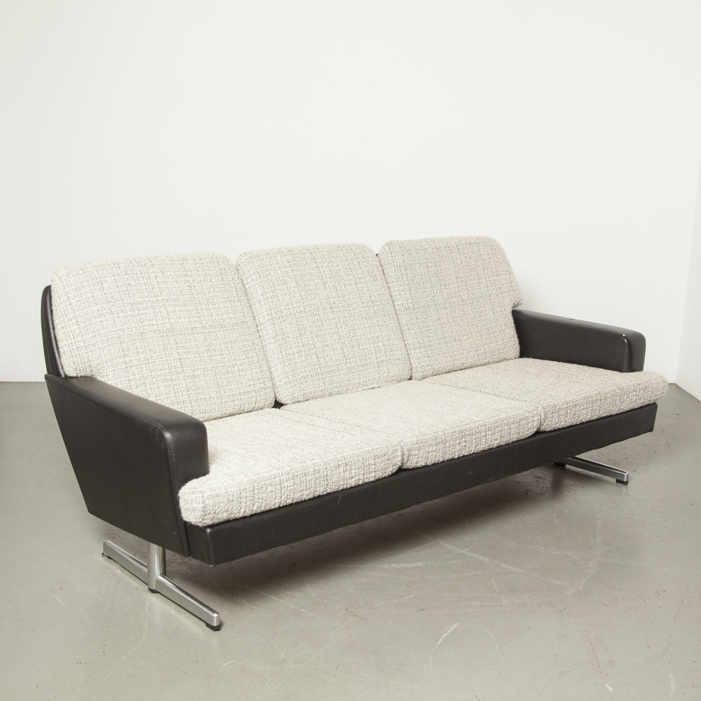 TopForm fifties black skai sofa couch vintage chrome two toe foot easy lounge retro MidCentury Modern Dutch design 1950s Top Form white grey-blue woven wool cushions green case