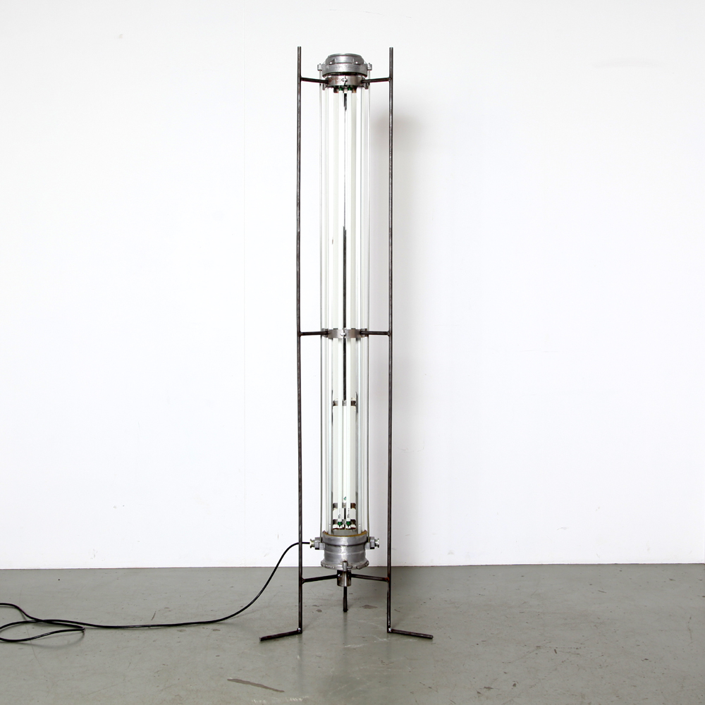 Industrial-floor lamp-3-leg-Apollo-II-dust-free-explosion-proof-splash-waterproof-fluorescent-laboratory-ceiling-lamp-60-France-unique-upcycling