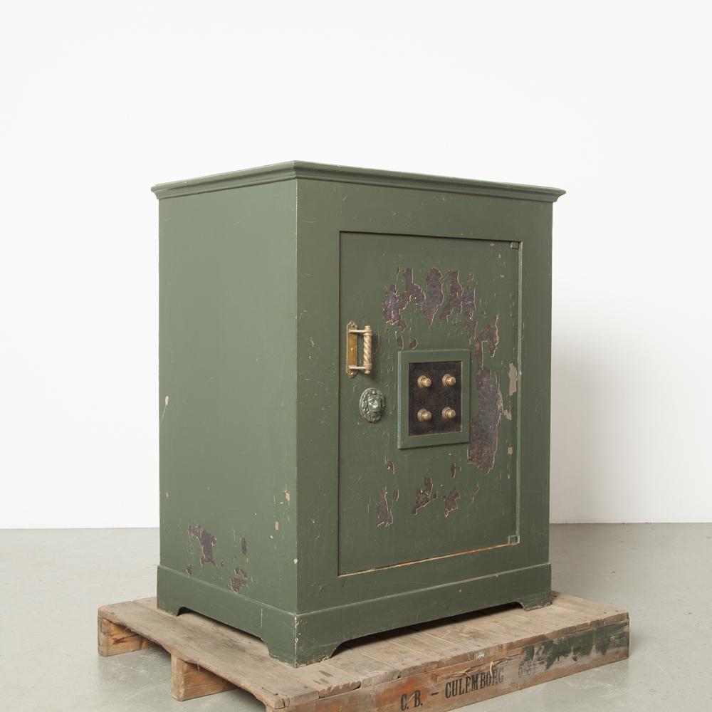 Antique Safe Firebox Elsenburg Purveyor Court Amsterdam Amsterdã, século XIX, chave verde de combinação Chave de fechadura de 3 pontos