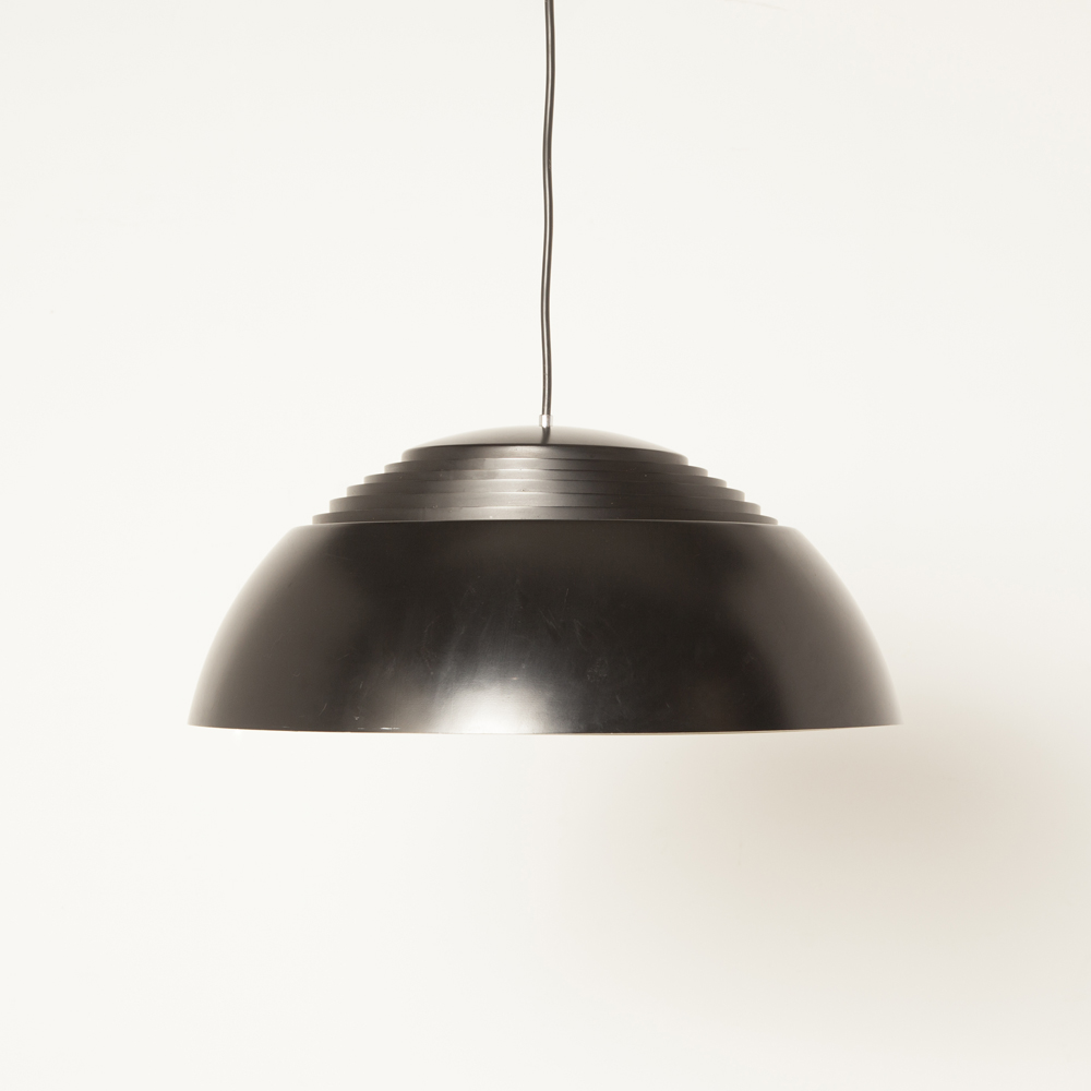 Black AJ Pendant hanging light Royal Louis Poulsen Denmark enameled aluminum shade slats diffuser ambient 50s 1950s fifties design classic powder coated modern Arne Jacobsen