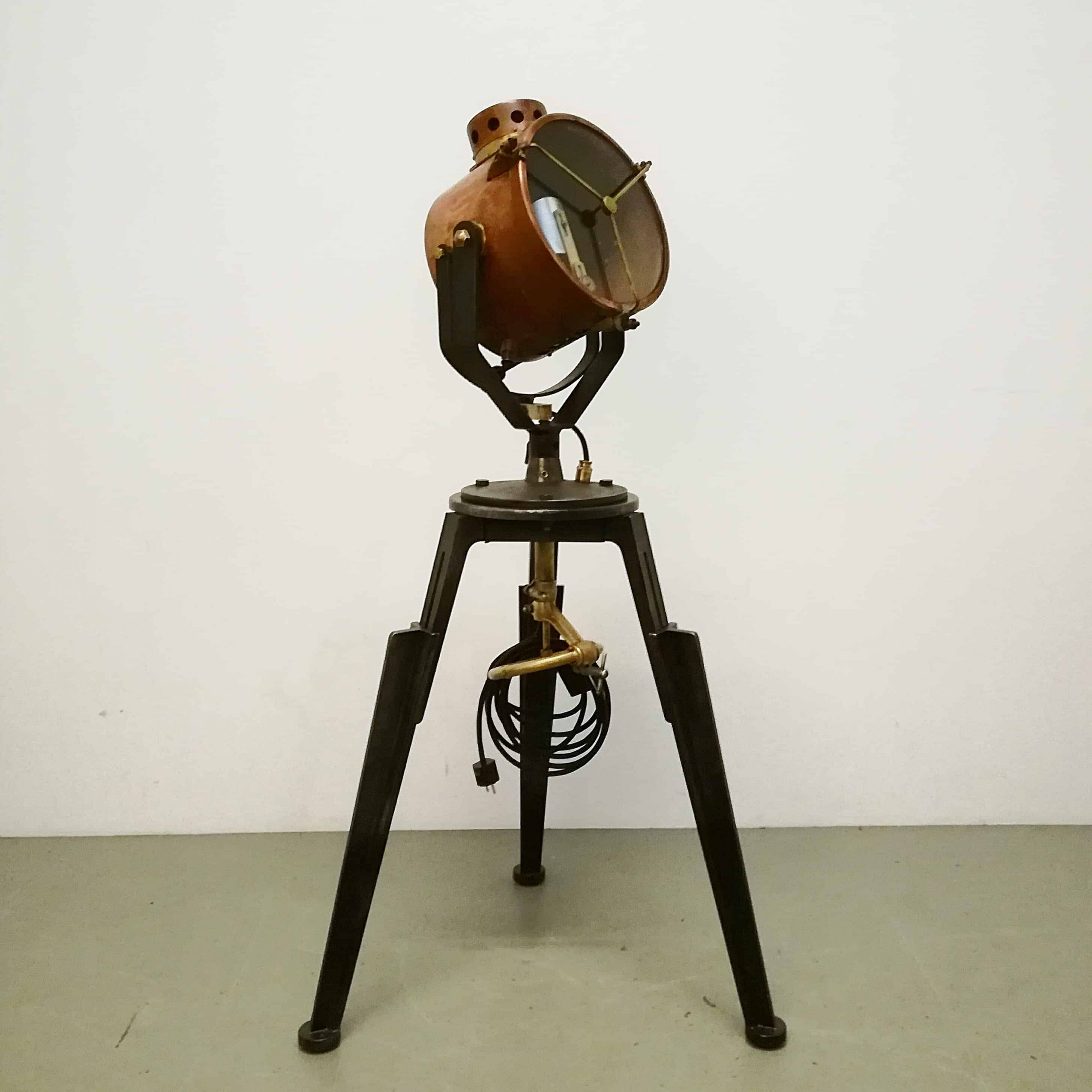 lamp-standing-spotlight-self-made-industrial-adjustable