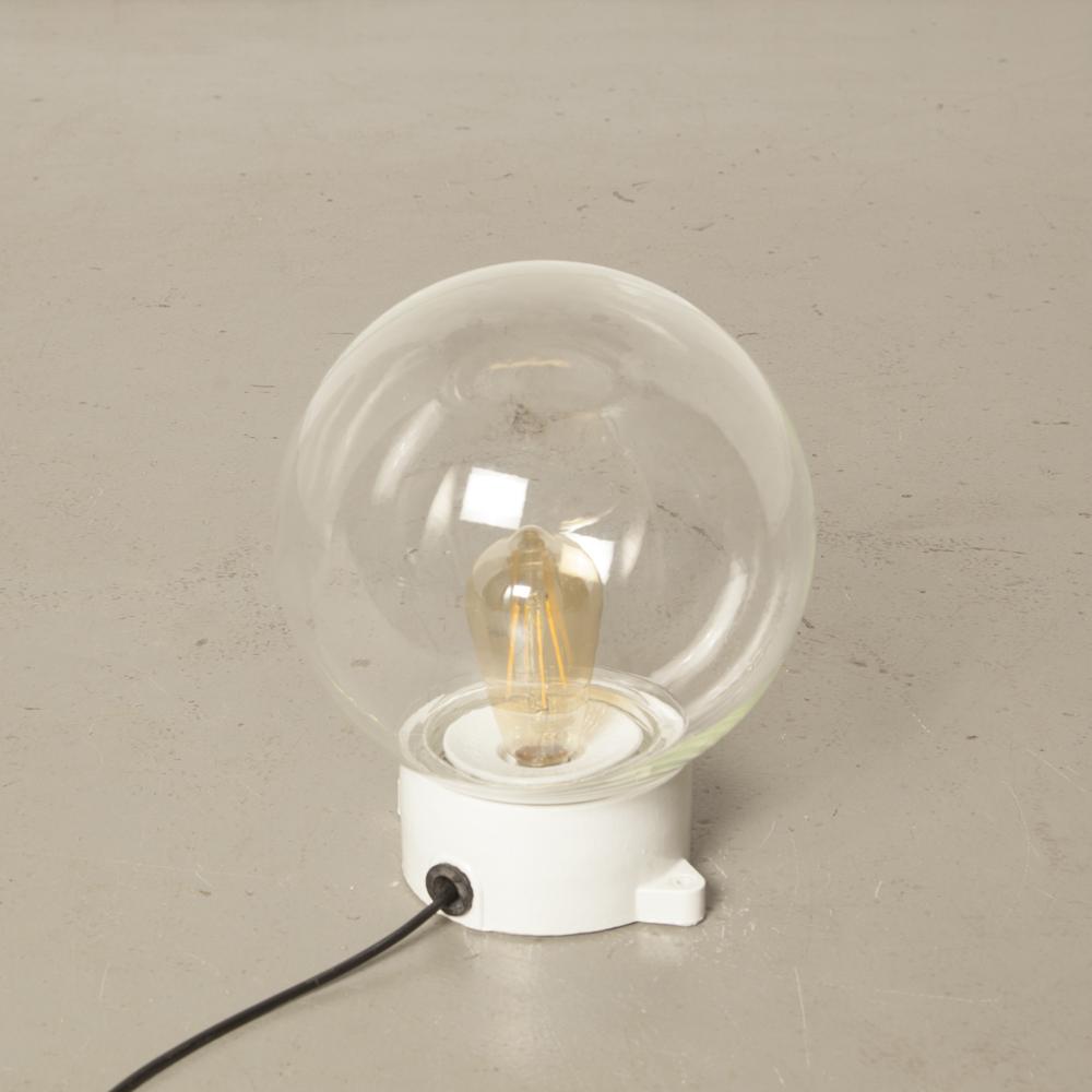 واضح الزجاج المنفوخ باليد كرة أرضية الظل الكرة الخزف الأبيض مصباح قاعدة تصاعد آذان nubs DDR Bauhaus أسلوب سطح شنت الجدار ضوء السقف خمر الصناعية الرجعية