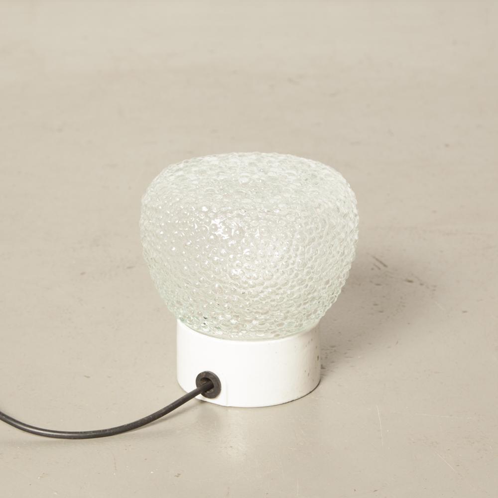 Clara Champagne Bubble Shade Textured White Base de lámpara de porcelana blanca DDR Bauhaus style superficie montada en la pared Lámpara de techo Vintage Industrial retro