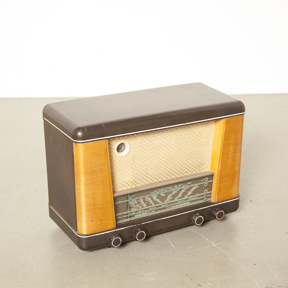 Bakelite Tube radio H284-A03 As-Is decor piece cabinet wood veneer original buttons back front cloth vintage retro 1950s 50s fifties midcentury modern