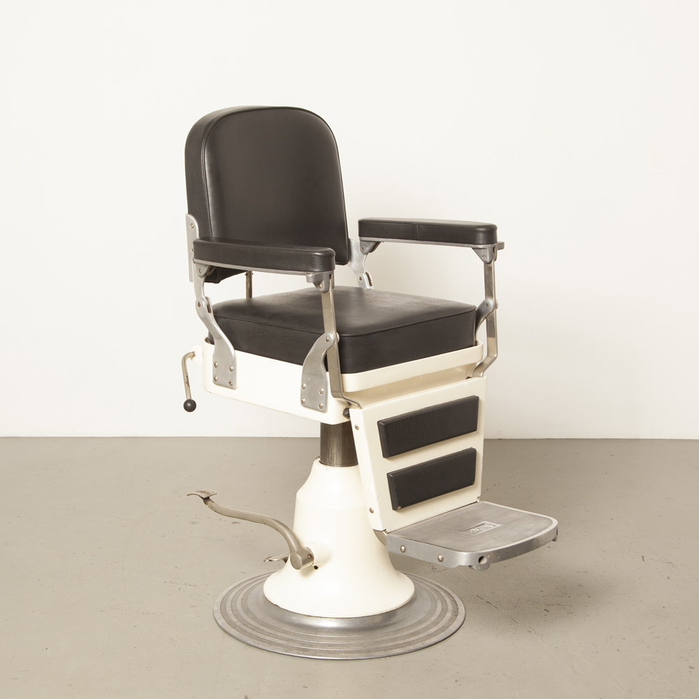 Nike Barber chair white black skai Sweden hydraulic restored adjustable hairdresser salon decor seat cushion reversible swivel heavy vintage retro industrial 30s 40s thirties forties