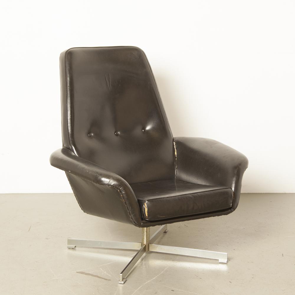 Black Skai Armchair Knoll TopForm 1960s bucket seat brushed steel star four-leg foot swivel vintage retro midcentury modern patina stylish chair integrated armrest sixties 60s