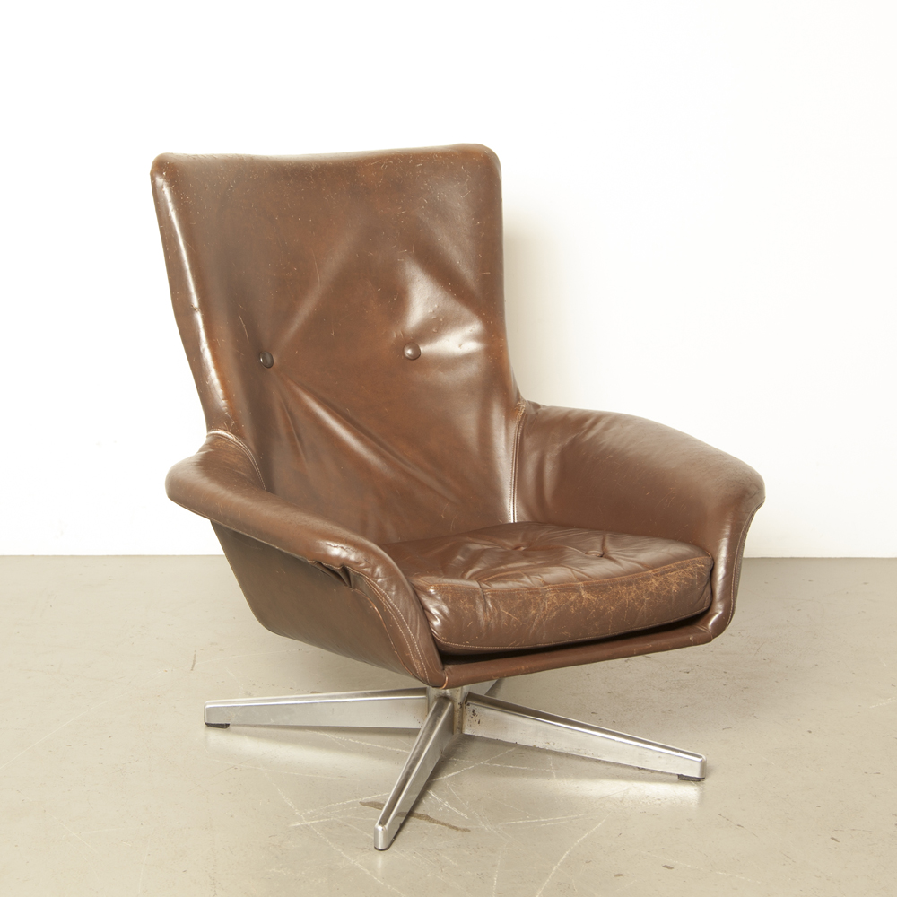 Brown Leather Armchair Knoll TopForm 1960s bucket seat chrome aluminum star four-leg foot swivel vintage retro midcentury modern beautiful patina stylish chair armrest sixties