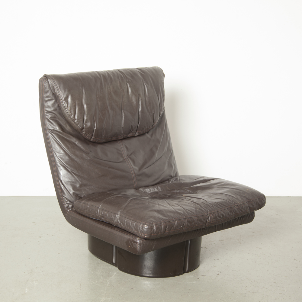 Il Poltronibile Ammannati Vitelli Comfort 이탈리아 175 시리즈 안락 의자 안락 라운지 라운지 유리 섬유 이탈리아 가죽 쿠션 원래 우주 시대 이탈리아 현대 70 년대 1970 년대 XNUMX 년대 갈색