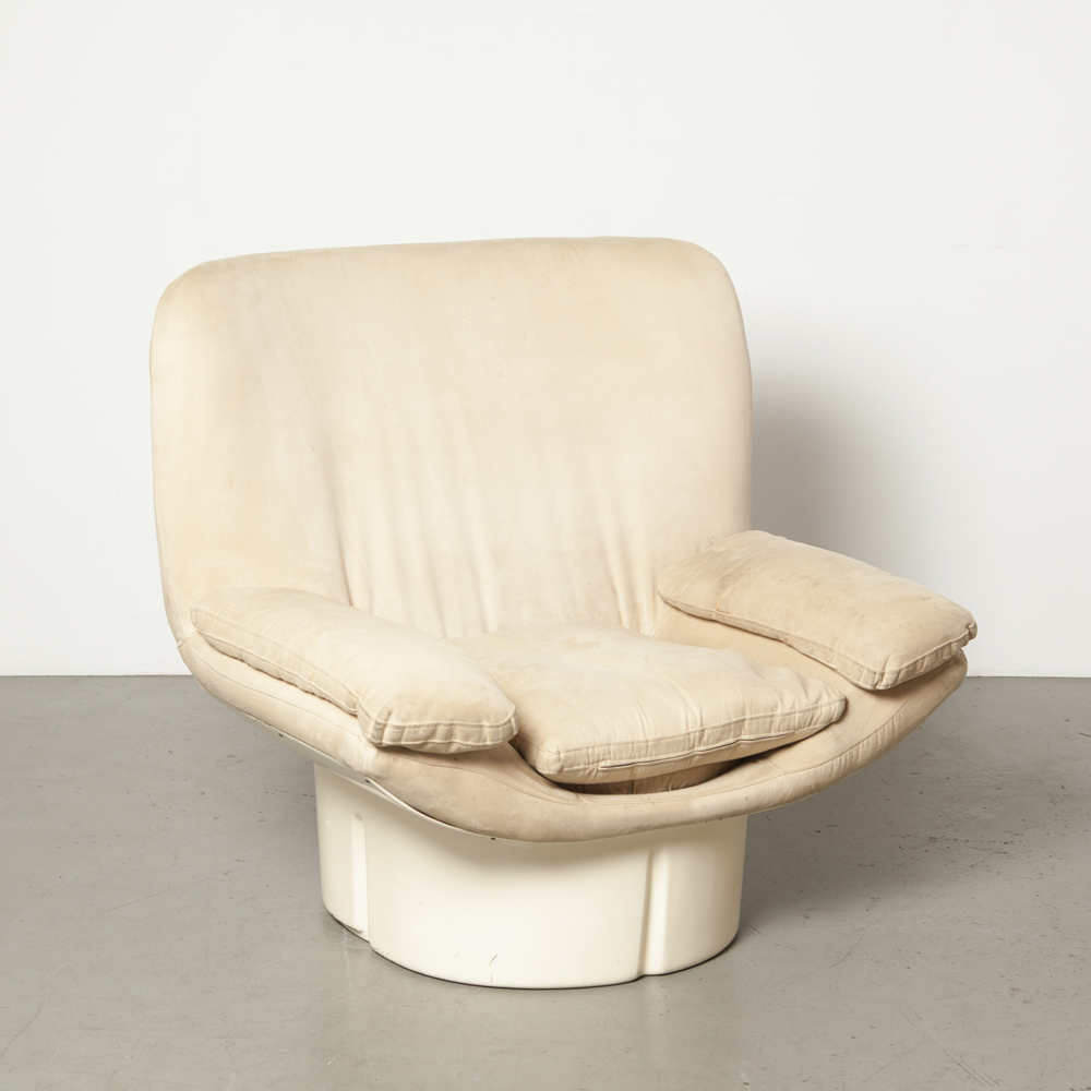 Il Poltrone Ammannati Vitelli Comfort Italy 175 series armchair easy lounge chair fiberglass Italian suede cushion original Space Age Italian Modern 70s 1970s seventies beige cream