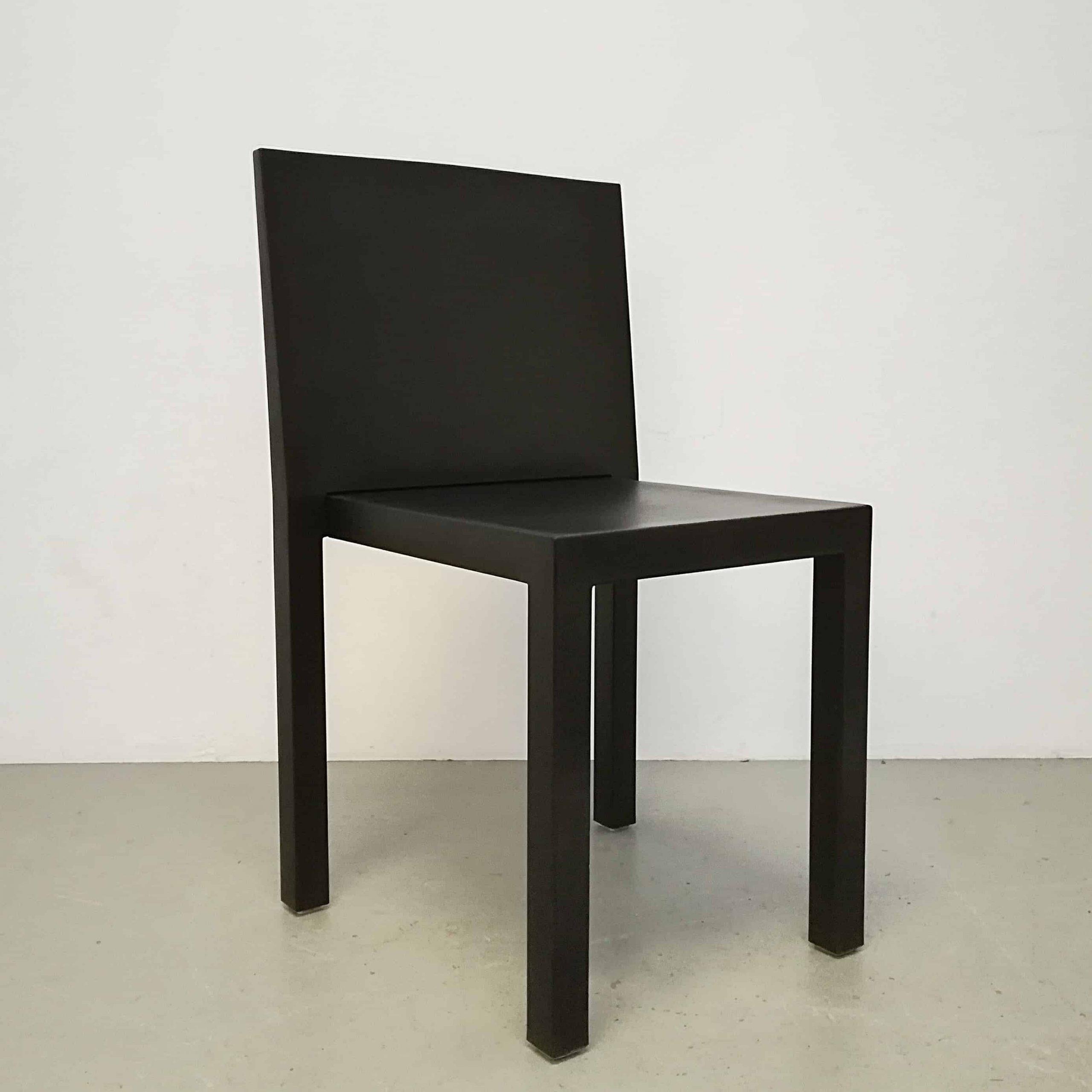 chair-black-uno-r606-segis-bartoli-design-steel-frame-elastic-technopolymer-stackable