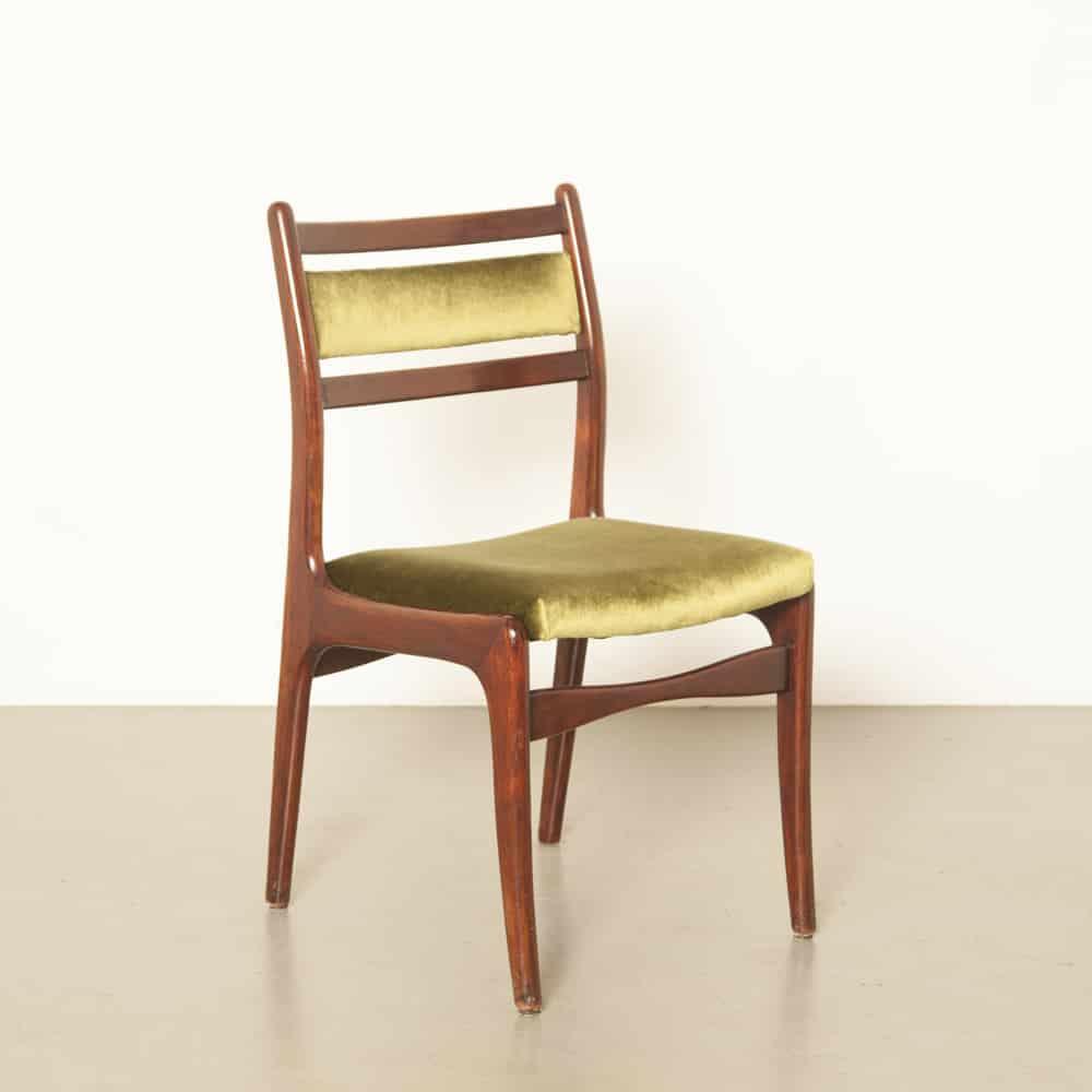 Chaise de salle à manger en bois massif nouveau rembourré velours vert hollandais design années 60 années 1960 années XNUMX vintage rétro