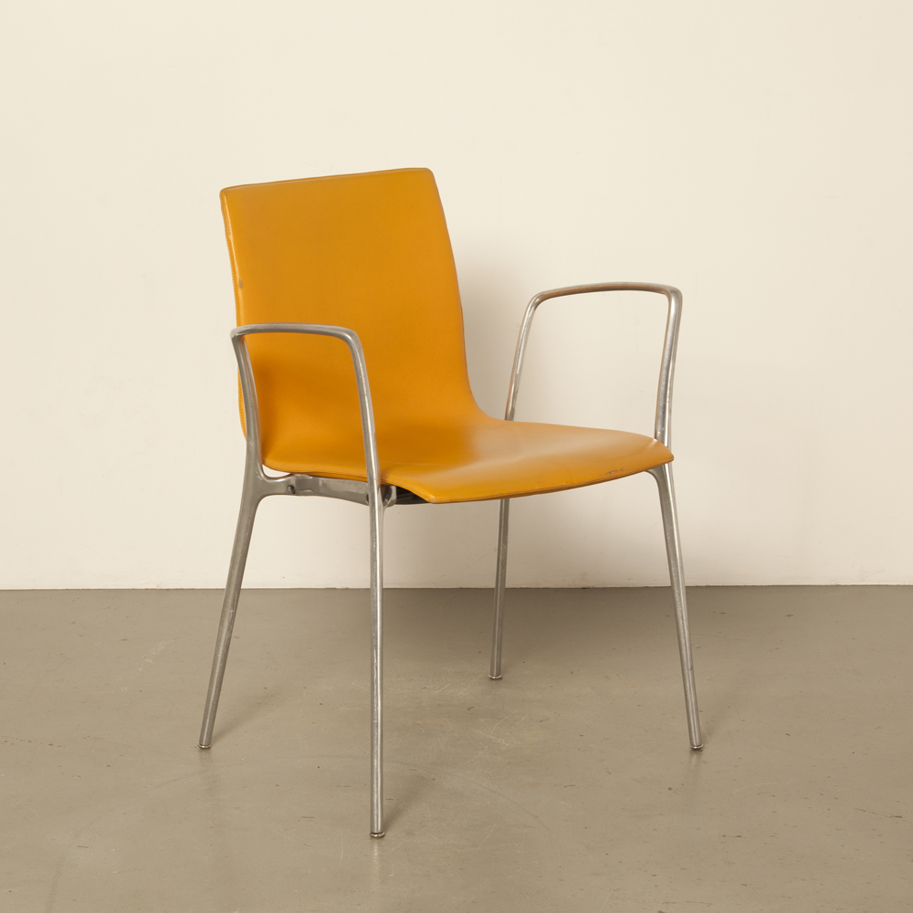 Gorka XL chair Jorge Pensi Akaba Spain sculptural cast polished aluminum frame skai seat stacking stackable modern contemporary secondhand design 00s 2000s Noughties