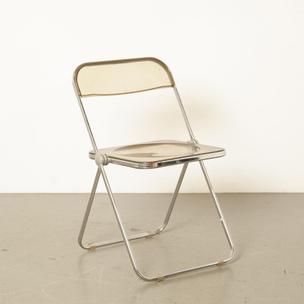 Plia chaise pliante Castelli pliable plat chromé cadre tubulaire Italie fumé en plastique marron clair transparent acrylique élégant fantastique des années 60 vintage rétro milieu du siècle moderne des années 1960 des années soixante
