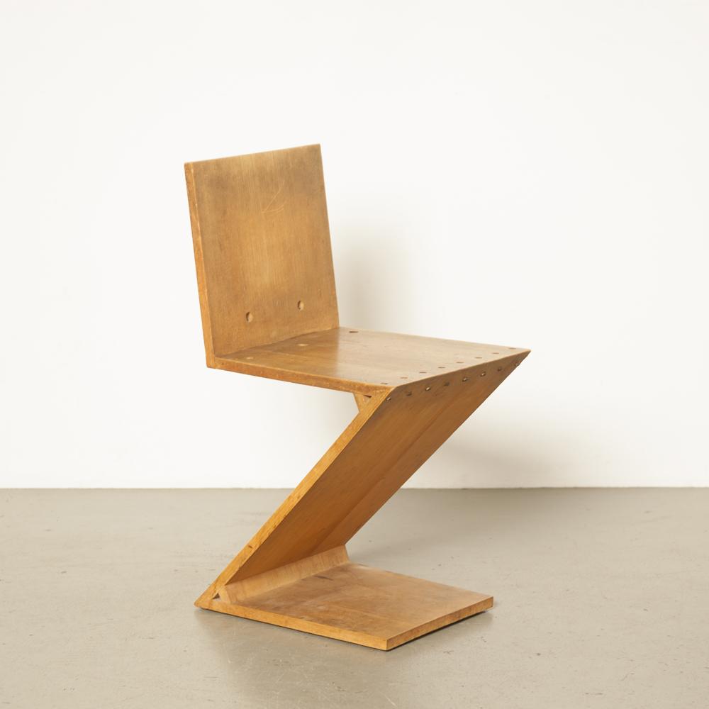 Зигзагообразное кресло Gerrit Rietveld Metz Co Амстердамский дуб косая латунь De Stijl архитектурная икона культовый голландский дизайн 1930-е гг. Минималистичный зигзаг оригинальная патина