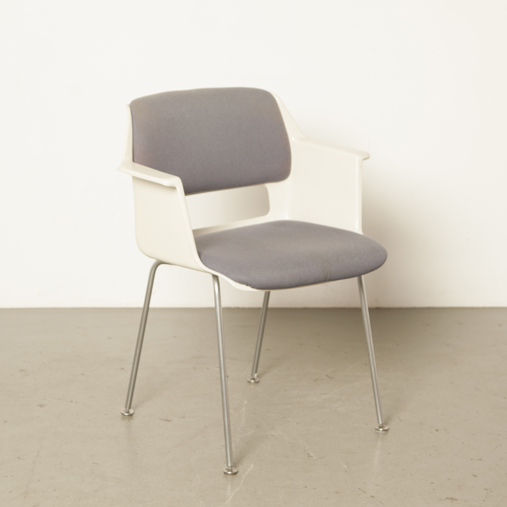Stratus model 2215/2225 chair Gispen AR Cordemeyer white polyester tub shell chrome steel-bar legs Better Sit Norma-series armrests upholstery vintage retro 60s sixties