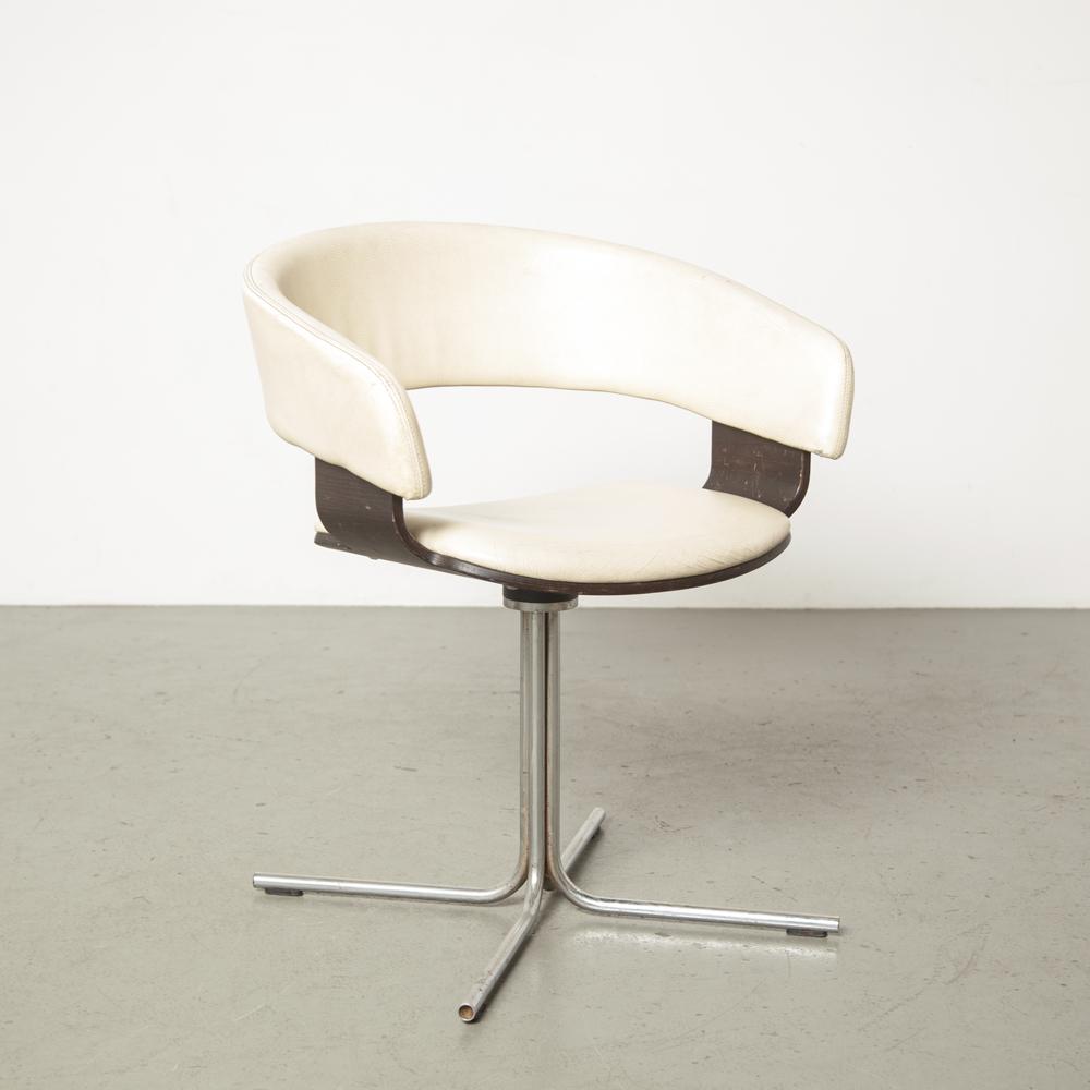 몰리 의자 존 콜먼 Allermuir 영국 화이트 레더 렛 블랙 너도밤 합판 쉘 회전 크롬 튜브베이스 튤립 사이드 안락 의자 낮은 백 실내 장식 디자인 1990 년대 빈티지