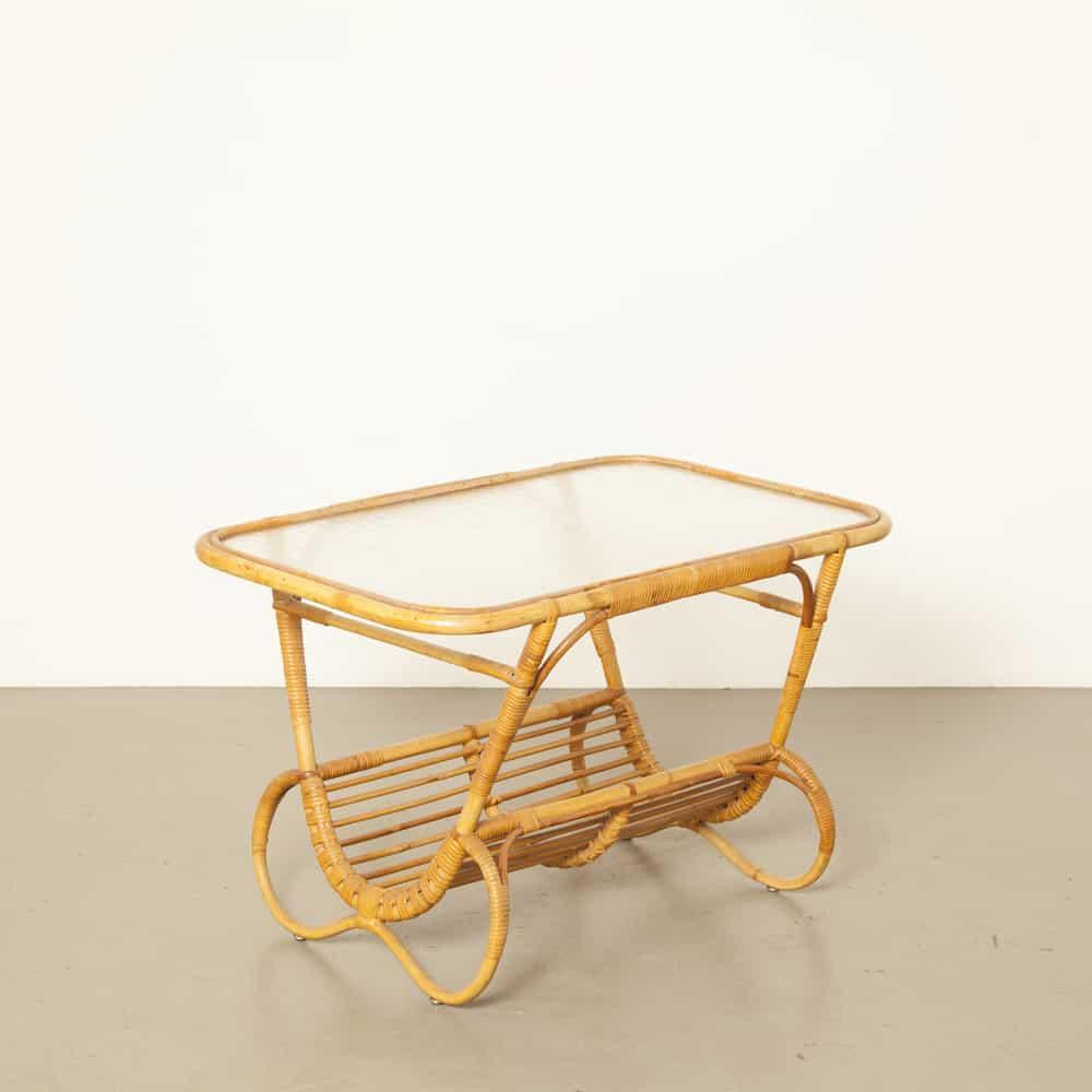 Rattan Schilf Tisch Dirk van Sliedrecht Sliedregt Rohé Noordwolde strukturiertes Glas 1950er Jahre XNUMXer Jahre Vintage Retro holländisches Design Zeitungskorb Lesekorb Magazin