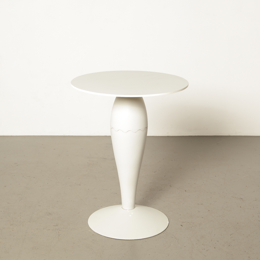 Miss Balù side table Philippe Starck Kartell Italy plastic grey secondhand design compact round 90s 1990s nineties Memphis Postmodern Postmodernism leg foot vintage retro