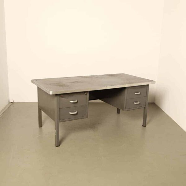 Gispen 4 drawer desk