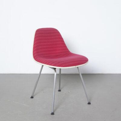 MSX stoel Charles Ray Eames Herman Miller wit crème glasvezel kuip rood roze stoffering Kunststof pootjes chromen buis stalen onderstel design klassiek vintage retro zij eetkamer jaren 50 1950er jaren XNUMX mid-century modern origineel