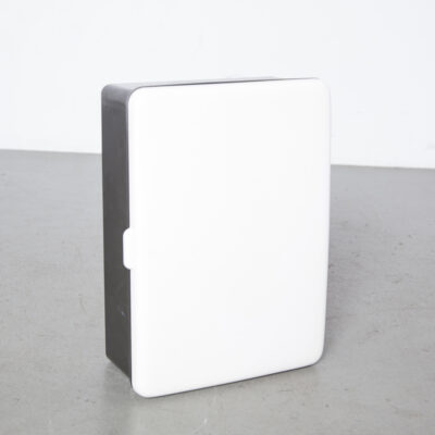 Modelo de armário de medicamentos ETNA Carrara Matta 3