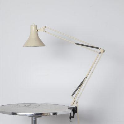 L-1 مصباح مكتب جاكوب جاكوبسن Luxo-Lamp الدنمارك بيج كريم الجدول المشبك مصباح E27 المهندسين المعماريين الصناعية الذراع قابل للتعديل موقف خمر الرجعية منتصف القرن التصميم الكلاسيكي الحديث