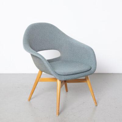 كرسي دلو ، ميروسلاف نافراتيل 18