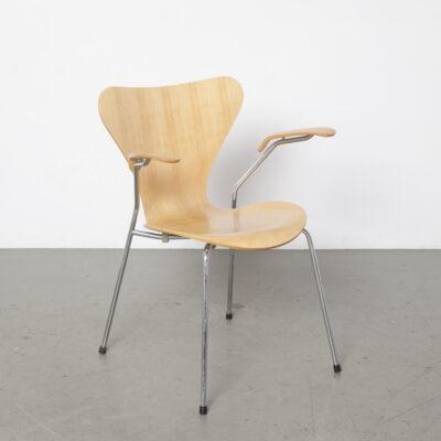 Braços de cadeira em faia Borboleta Arne Jacobsen 1992 3
