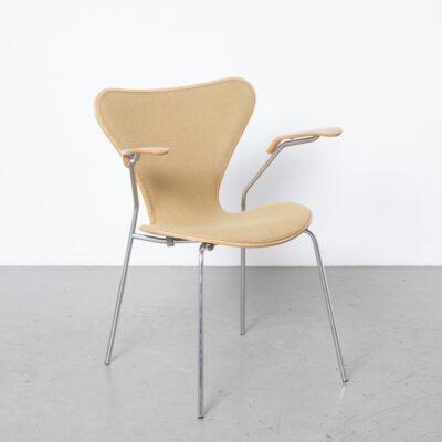 Butterfly chair 3207 Arne Jacbsen Fritz Hansen 16