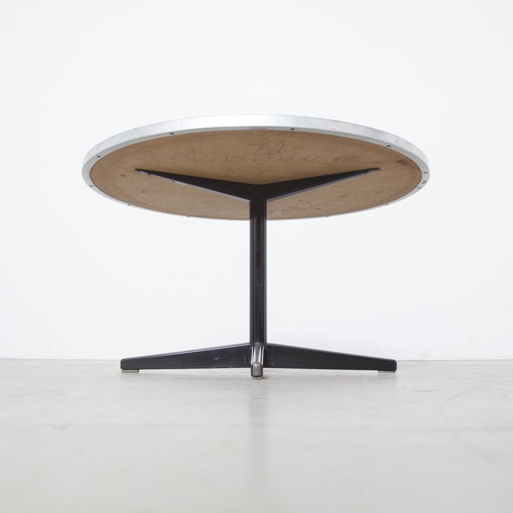 Witte formica tafel salontafel bijzettafel met zwarte