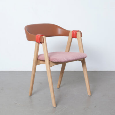 Mathilda chair Patricia Urquiola Moroso Italy solid oak leather pink floating backrest splayed legs modern contemporary design long wearing fabric seat stackable