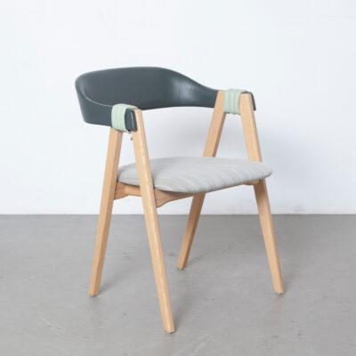 Mathilda椅子Patricia Urquiola Moroso意大利实木橡木皮革绿色浮动靠背八字腿现代当代设计长穿织物座椅可叠放