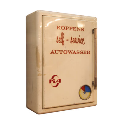 Cabinet Koppens-Automatic Bladel Holland self-service Autowasser cream powder-coated rolled sheet steel wall hung vintage retro industrial automotive historical car wash gas station storage closet cupboard shelf handel unique rare nostalgia brocante rounded corners