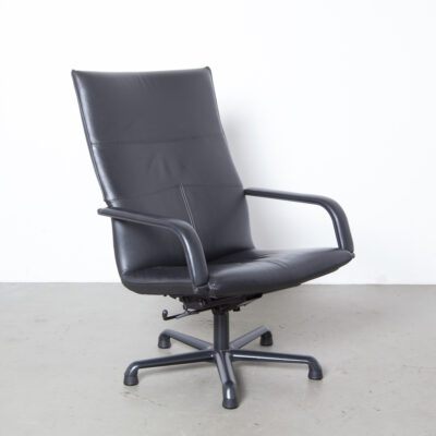 Armchair Geoffrey Harcourt Artifort Black Leather Netherlands F141 F154 F196 anodised aluminum bolt-on armrests five-toe swivel base business office feel vintage retro design lounge easy chair recline seat seating secondhand seventies eighties