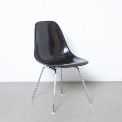 Eames DSX side chair black Herman Miller fiberglass fibreglass shell dining base seat seating shock mount Charles Ray zinc bright plated chrome tube frame 50s fifties vintage retro mid-century modern tubular undercarriage plastic