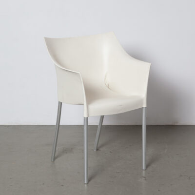 Dr NO chair Philippe Starck Kartell Italy 1990s nineties Wax White polypropylene anodised aluminum legs stackable stacking outdoor use armchair dining room design modern contemporary armrest functional plastic seat seating