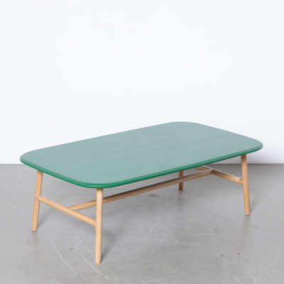 Nudo coffee table Juan Ibáñez Lax Sancal Spain green painted solid oak knots wood legs sinews tree-trunk contemporary modern new design salon low top chamfered edge rounded corners