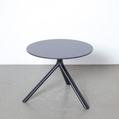 Miura table Konstantin Grcic Plank Italy black low side accent coffee round circle three leg legged top HPL powder coated aluminum plastic floor gliders indoor outdoor contemporary modern new tripod