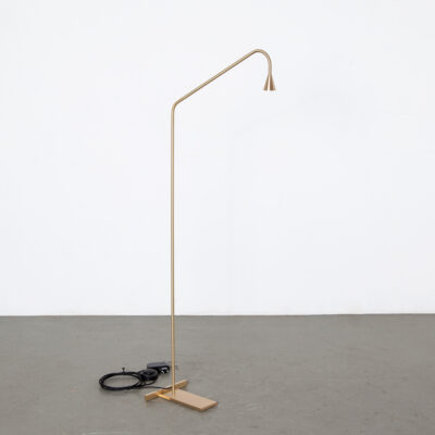 -Austere-Floor-Reading-Hans-Verstuyft-Trizo-21-belgium-modern-design-timeless-brass-led-gold