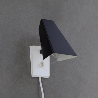 -anvia-wall-lamp-small-white-base-black-shade-Hoogervorst-60s-vintage-dutch-design