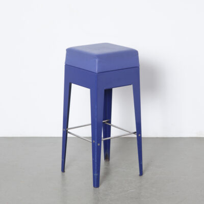 Nel Verschuuren Schouwburg Amstelveen Bar Stool Joosten Projecten folded heavy gauge sheet steel blue powder-coated leatherette seat sturdy minimalistic modern splayed legs custom made not commercially available heavy duty built to last solid stable made-to-order exclusive architect designed
