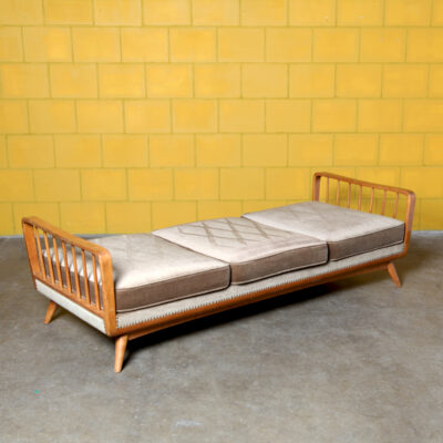 -Daybed-style-Wilhelm-Knoll-wood-elastic-diamond-brown-velvet-cojines-reclinable-chaise-lounge-relax-60s-vintage