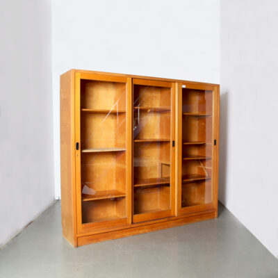 -Lundia-Laboratory-Cabinet-Lab-cupboard-display-case-storage-showcase-etagère-sliding-doors-glass-beech