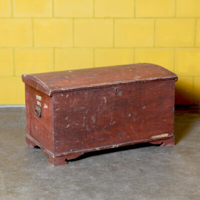 -red-chest-blanket-ship-trunk-wood-curved-case-cabinet-storage-box-antique-brocante-vintage