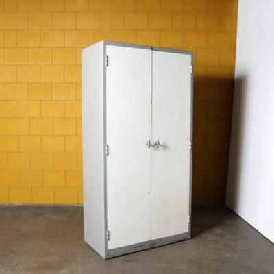 -Gispen-armadio-contenitore-in-acciaio-8155-50s-paesi bassi-industriale-vintage-grigio-bianco