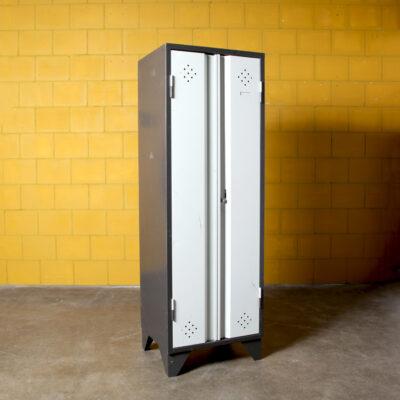 -винтаж-шкафчик-темно-серый-60-х-шкаф-сталь-замок-гардеробная-шкафчик для спортзала