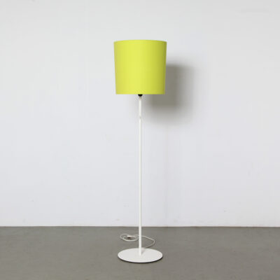 -Kloosterman-Floorlamp-simple-white-green-shade-modern-Нидерланды